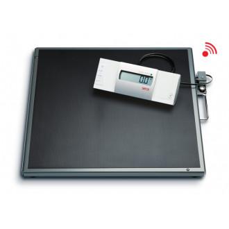 Весы медицинские специальные с выносным дисплеем и большой платформой seca 634 в Краснодаре